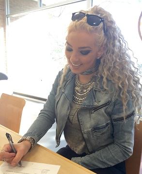 INTERNATIONAL POP ARTIST SHEON SIGNS TO FAMOUS ARTIST MUSIC